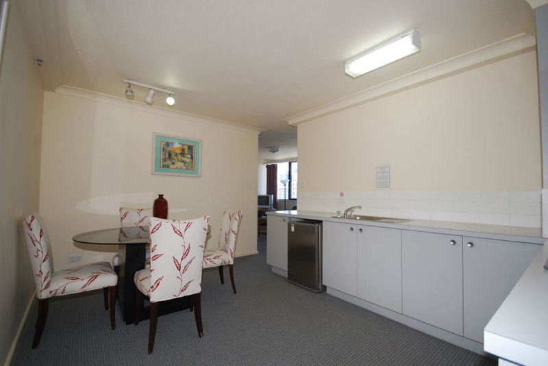 GREAT PRICE FOR FULLY FURNISHED 1 BED APARTMENT