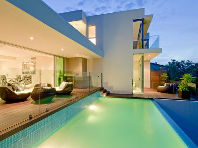 Private Bush Outlook... Cool Summer Breezes and a very Modern Home.