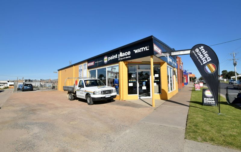 COMMERCIAL FREEHOLD OPPORTUNITY