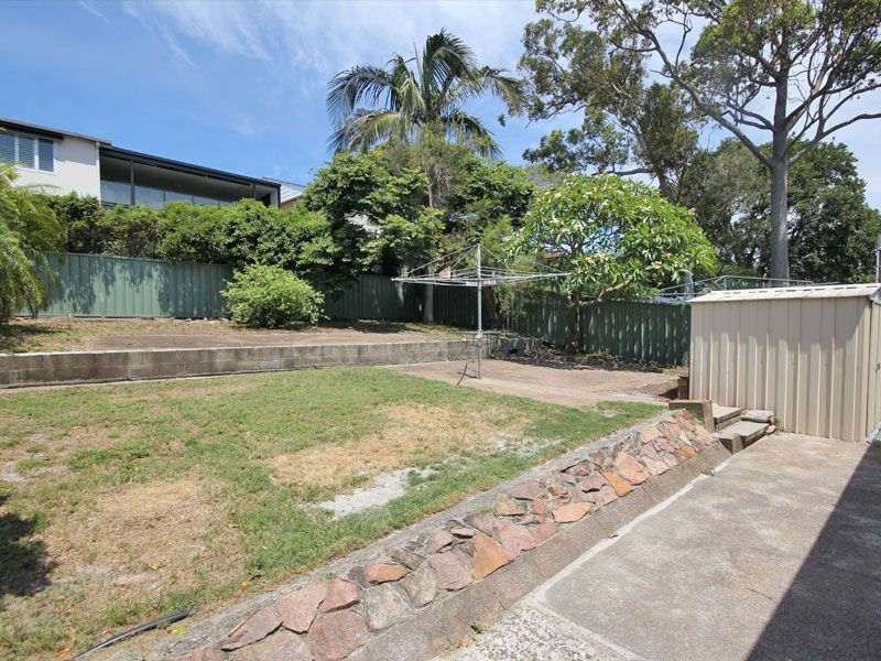 73 Sandy Point Road, Corlette