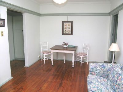 CHARMING FULLY FURNISHED 1 BEDROOM