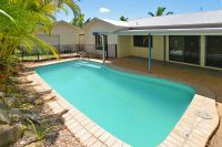 3 BEDROOM HOME WITH AIR-CONDITIONING AND A POOL!