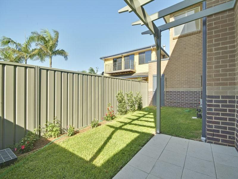 2/100 Kings Road, NEW LAMBTON