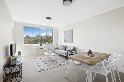 Quality apartment with striking CBD views