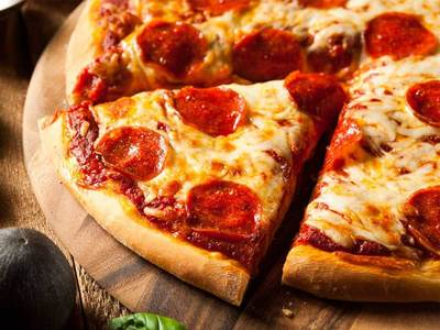 Pizza Takeaway & Delivery Store In Birkdale For Sale! $119K + SAV!