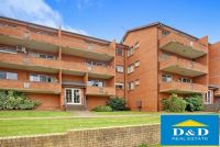 Bright and spacious 2 bedroom unit in the heart of Parramatta. Double lock up garage. Walk to train station and Westfield Shopping centre.