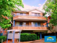 modern 2 bedroom apartrment in sought after river precinct . massive balcony. single garage. stroll to parramatta city centre & rivercat ferry