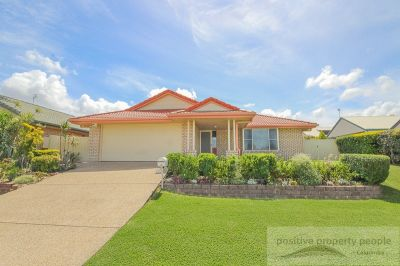 Immaculate Home on 650m2, Side Access, 2 Living!