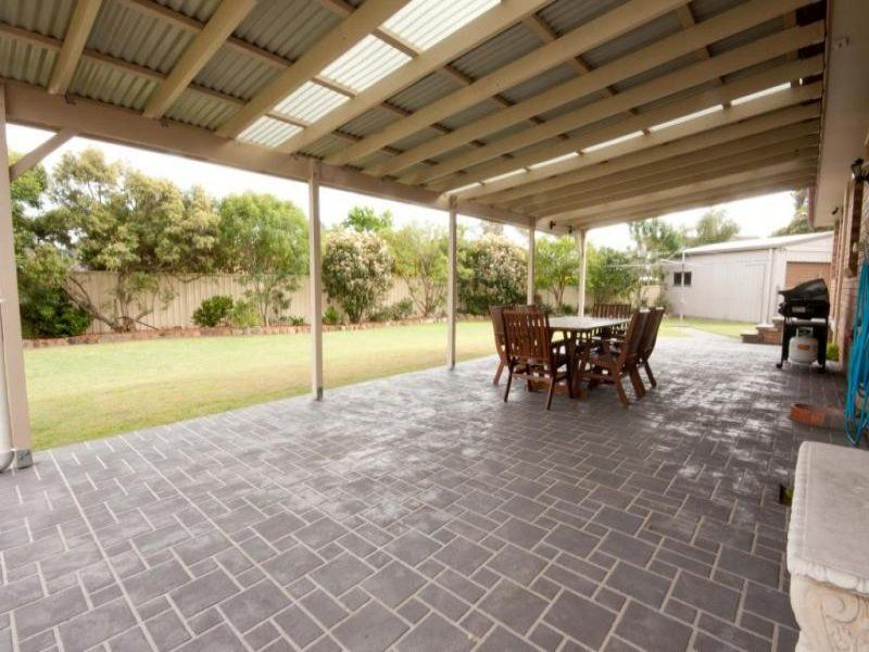 12 Hallett Place, Singleton