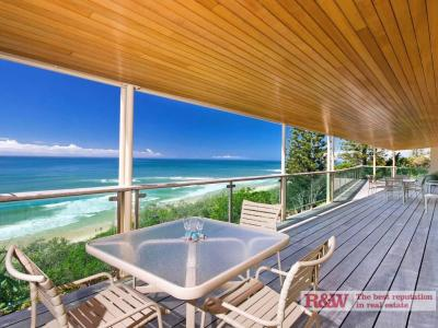 2 Arakoon Crescent, Sunshine Beach