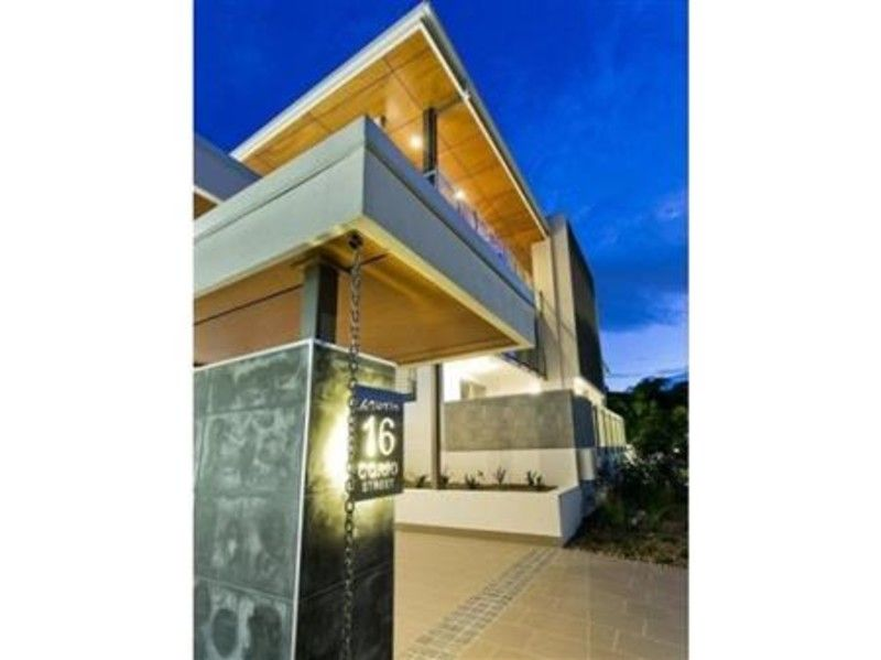 IN THE HEART OF BULIMBA - WITH ALL THE AMENITIES YOU DESIRE