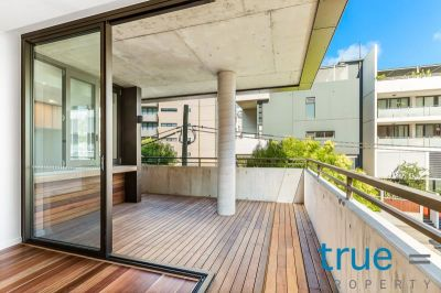 = APPLICATION RECEIVED = LUXURIOUS, CONTEMPORARY AND EXCEPTIONALLY LOCATED