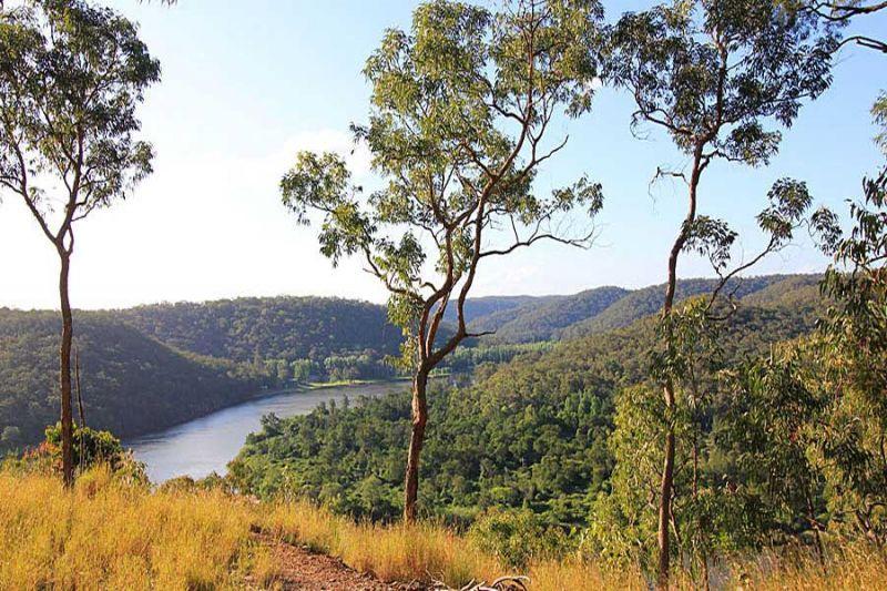 Breathtaking 180 degree Hawkesbury River views!