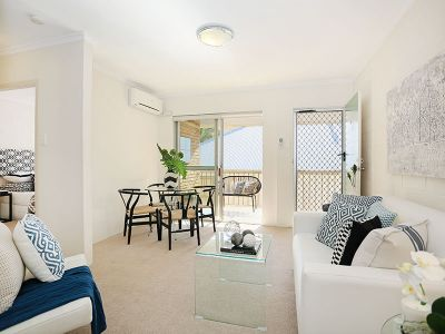 NEAT 2 BED APARTMENT IN SOUGHT AFTER BOWEN TCE!