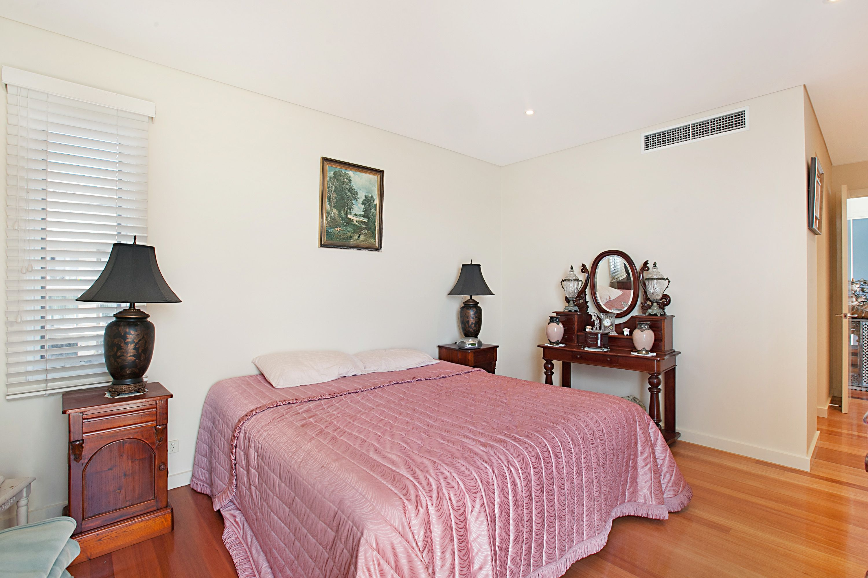 10/304 Wharf Road, Newcastle