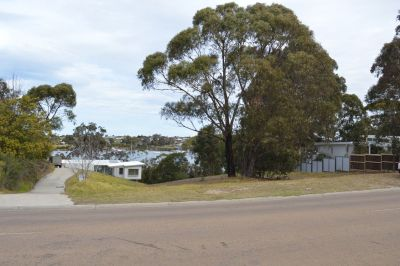 ACCESS TO WATERFRONT & JETTY