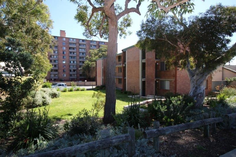 EASY ACCESS TO STIRLING HIGHWAY AND FREMANTLE
