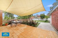 Cosy Furnished 3 Bedroom Home. Sought After Oatlands Location. Massive Backyard and Entertainment Area.