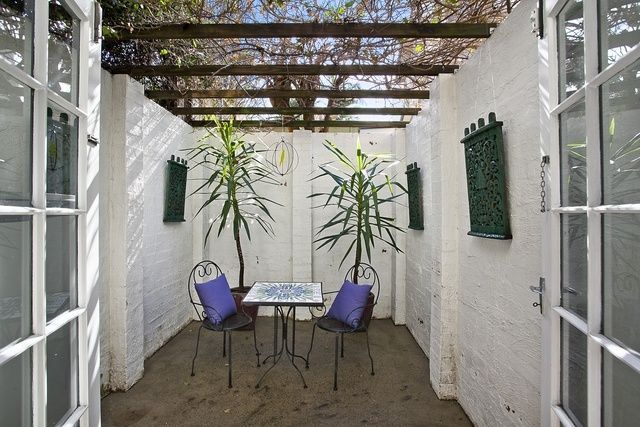2/51 East Crescent Street, Mcmahons Point
