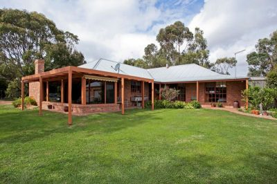 A Lifestyle to be Envied - 32 Acres - 12.8 ha (approx.)