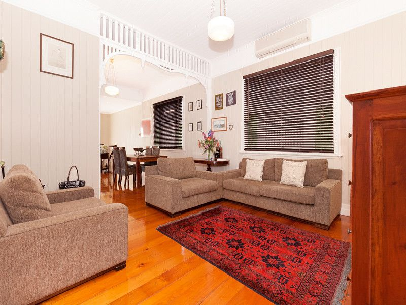 BEAUTIFULLY MAINTAINED QUEENSLANDER