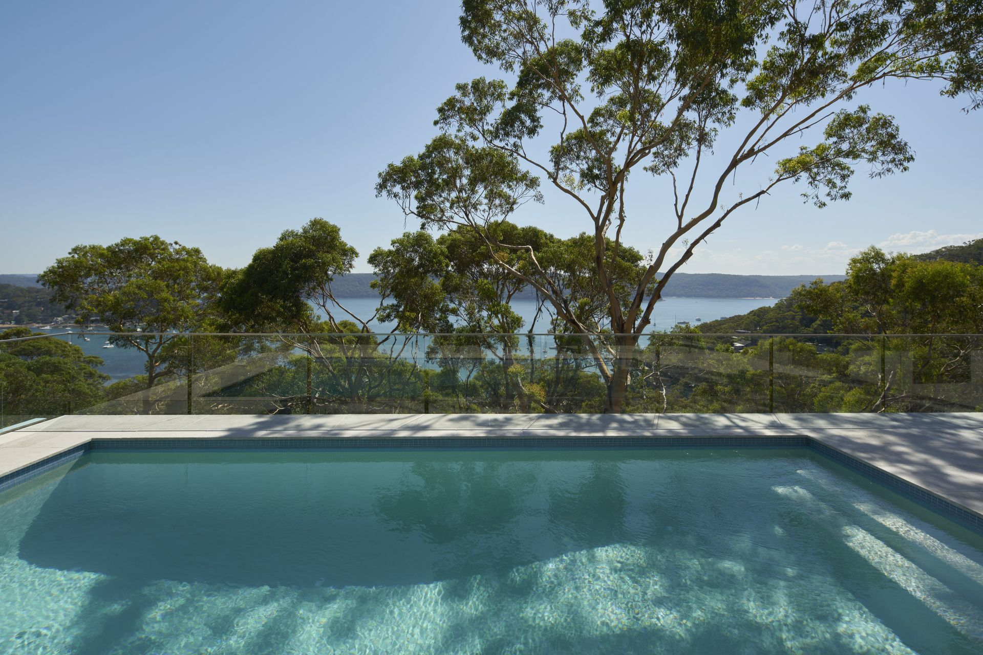 Einfamilienhaus für Verkauf beim A new contemporary residence with spectacular views 24 Bynya Road Palm Beach, New South Wales,2108 Australien
