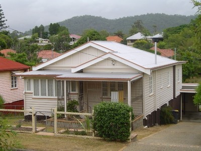 DELIGHTFUL AIR CONDITIONED HOME IN GREAT LOCATION