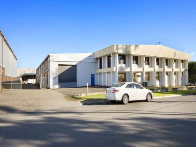 2,250sqm - Warehouse Facility with GOOD YARD (VIDEO ATTACHED)