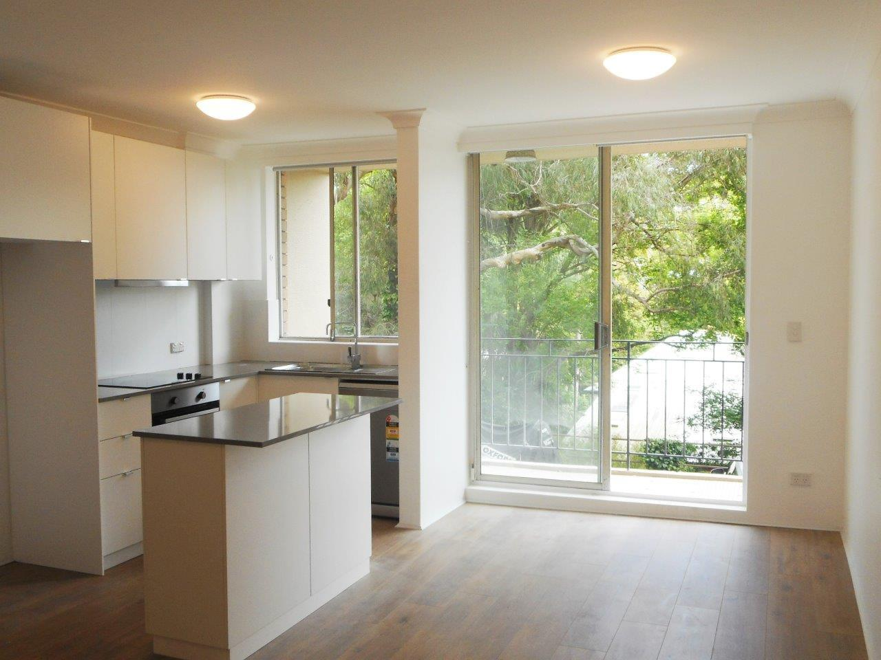 Just Renovated - Ultra convenient 1-bedroom unit in the Heart of Newtown