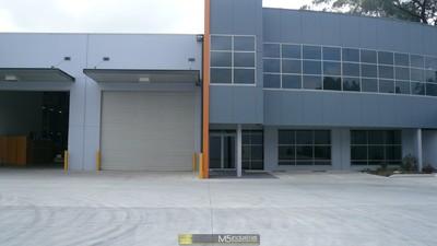 1,231m² - Outstanding Industrial Complex