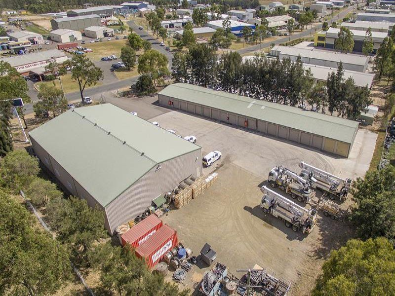 DUAL INCOME INDUSTRIAL SITE IN EXCELLENT MAISON DIEU LOCATION