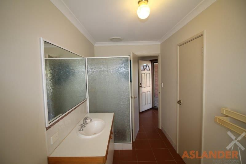 LOW MAINTENANCE PROPERTY - WALK TO BULLCREEK TRAIN STATION & MT PLEASANT SHOPS
