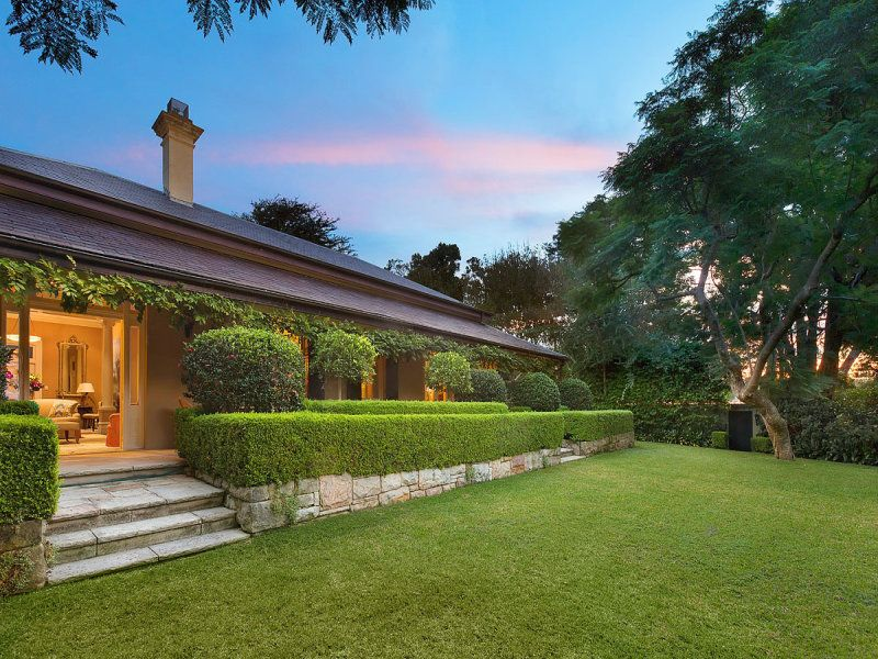 Tek Ailelik Ev için Satış at A classic Georgian manor within superb 2,163sqm level grounds Mosman, New South Wales,2088 Avustralya