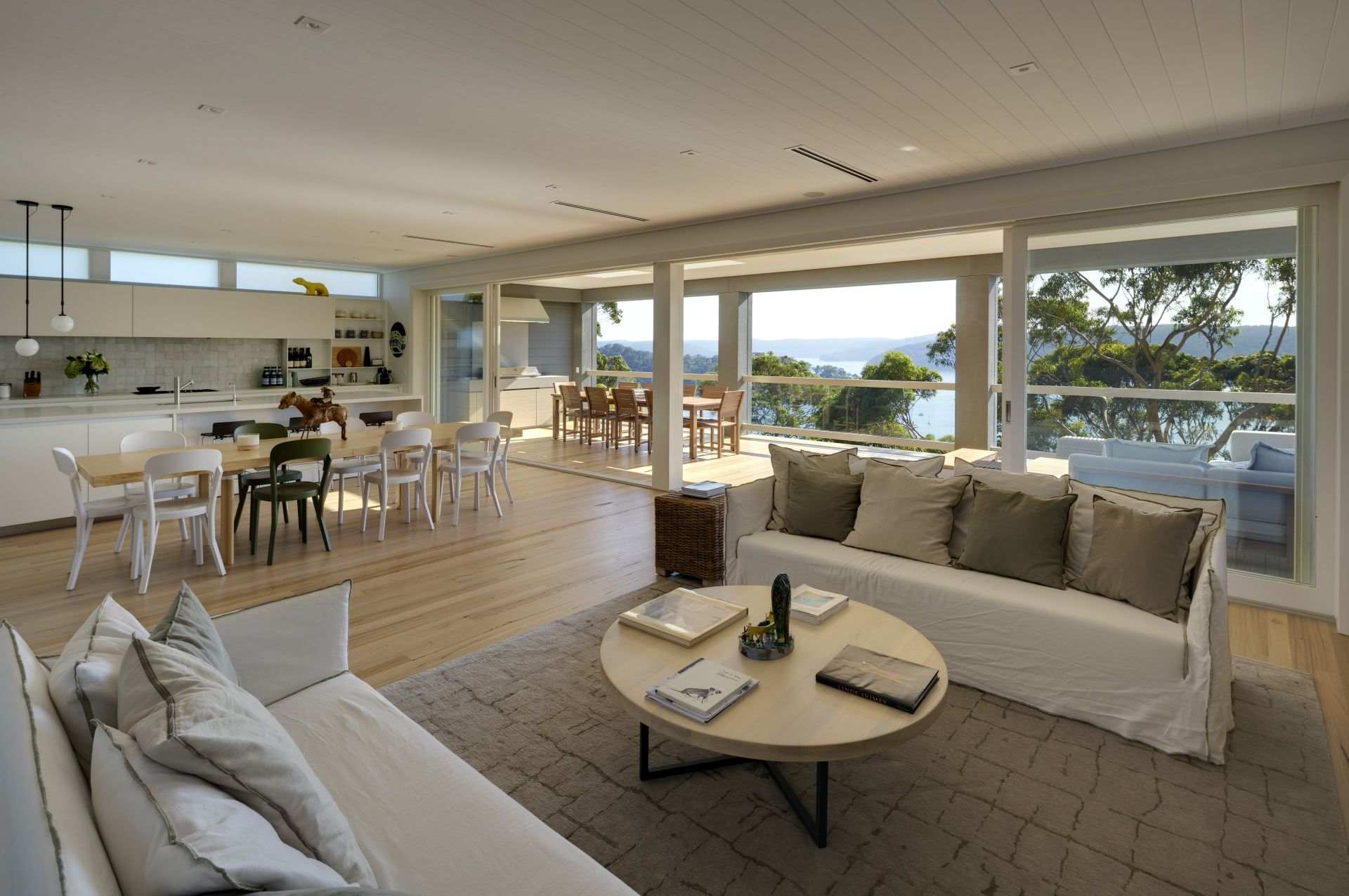 Additional photo for property listing at A new contemporary residence with spectacular views 24 Bynya Road Palm Beach, New South Wales,2108 Avustralya