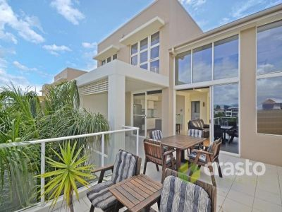 Sub-Penthouse with Water Views near Bond University! Incredible Potential & Value!