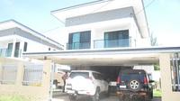 RH8M511: Executive Townhouse