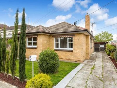 9 Dongola Road, West Footscray