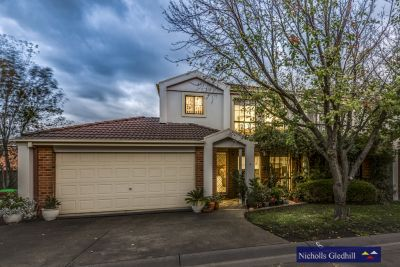 SUPER LOCATION WITH PLENTY OF PRIVACY!!