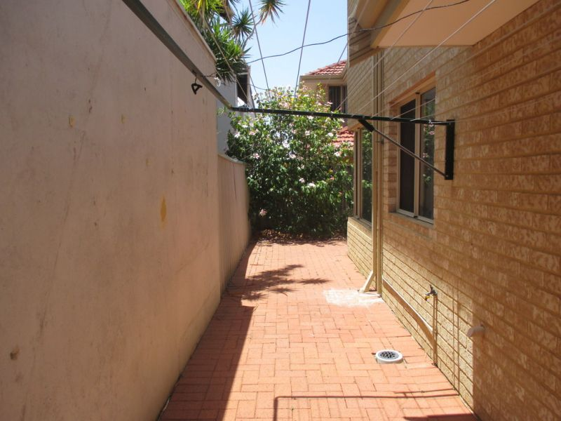 WELL MAINTAINED TOWNHOUSE