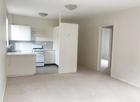 Large leafy 2 bedroom apartment in small block of 6!