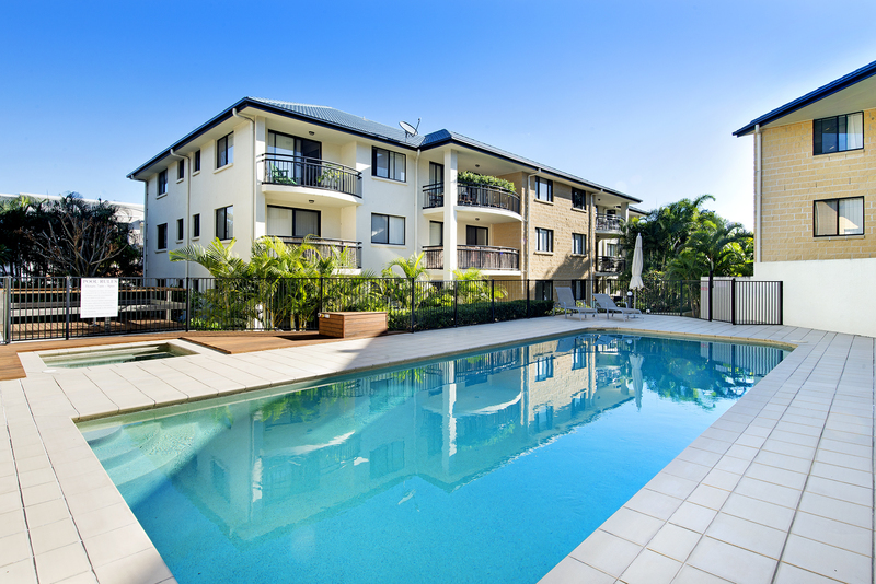 What A Great Investment.Right next door to the CBD. 2 Bedoom Top Floor Unit