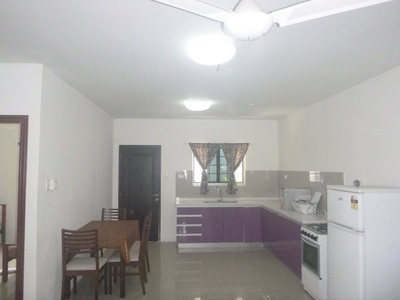 Compound for rent in Port Moresby 8 mile