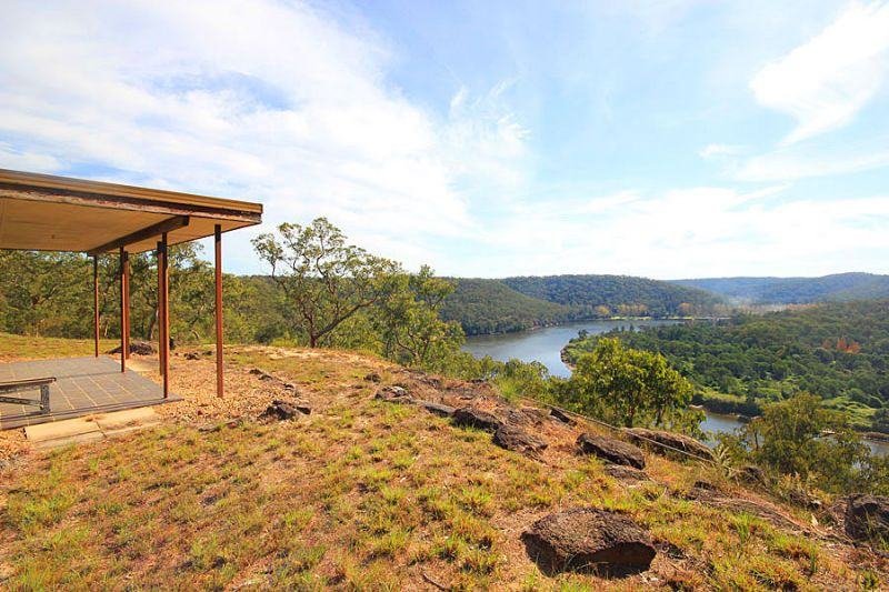 Breathtaking, Panoramic Hawkesbury River views! Imagine waking up to this on your doorstep!