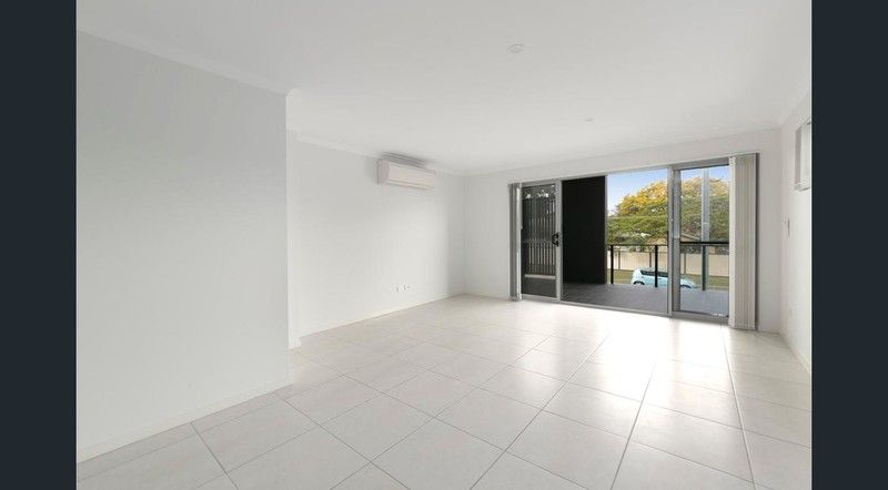 Walk to Train Station as new 2 bedroom unit