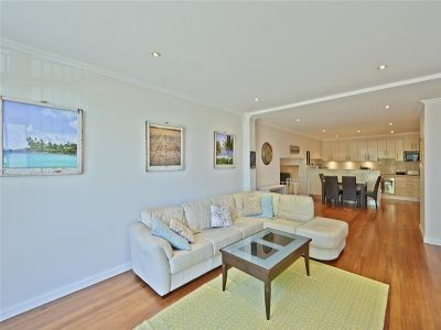House-Sized (c.181sqm) Garden Apartment in Blue Chip location