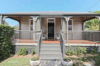 Beautifully Renovated Red Hill Cottage