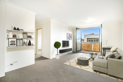 MODERN RENOVATED APARTMENT LOCATED IN THE HEART OF LEICHHARDT