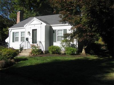 This cozy two bedroom - two bathroom home is situated close to all Natick has to offer!