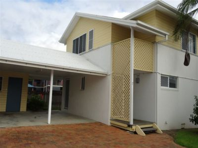 Furnished 3 Bedroom Townhouse!