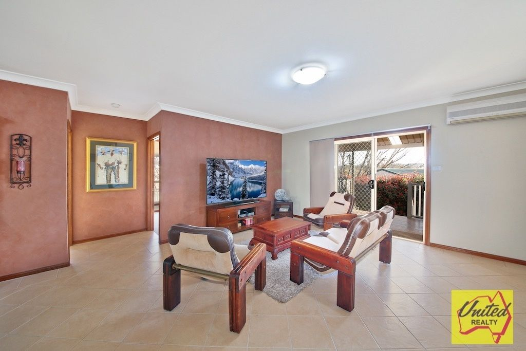 4 Glenbrook Place The Oaks 2570